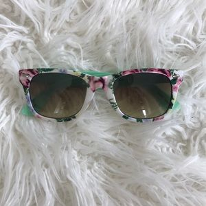 Accessories - Flower print glasses.